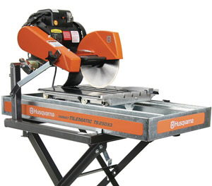 Where to find LARGE TILE SAW in Vernon